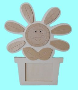 Flower Shaped-Wooden Frame (RF3269)