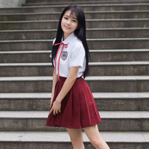 Girls Japanese Style School Uniform pictures & photos
