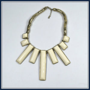 New Item Yellow Resin Fashion Necklace