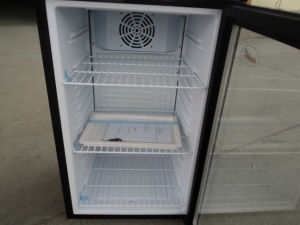 Commercial Glass Door Small Refrigerator (SC80B) pictures & photos