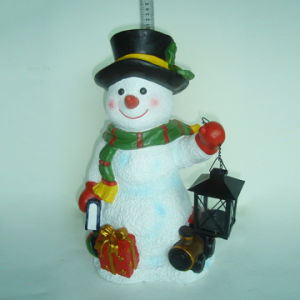 Resin Christmas Snowman Figurine with Socks Hanger for Garden Decor pictures & photos