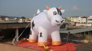 Advertising Inflatable Big Milk Cow Animal pictures & photos