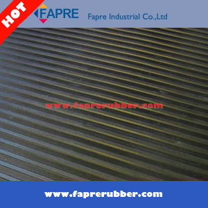 Broad Ribbed Rubber Matting/Black Broad Ribbed Rubber Matting.
