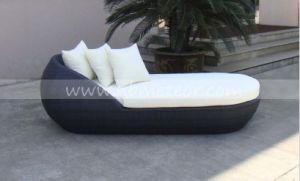 Rattan Outdoor Garden Sofa Wicker Furniture Patio Daybed pictures & photos