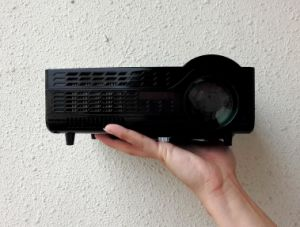 Yi-202 Mini Portable HD Projector pictures & photos
