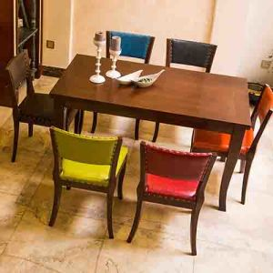 Hot Selling Master Home Furniture Wholesale French Wooden Antiqued Carved Upholatered Dining Table and Chair Used for Restaurant