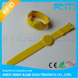 Waterproof Silk-Screen Printing NFC Smart RFID Silicone Wristband for Swimming Pool