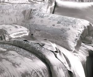Taihu Snow Silk Chinese Traditional Jacquard Grey Silk Bedding Set pictures & photos