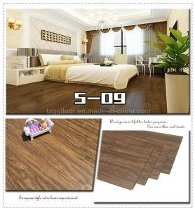 China Commercial Vinyl Plank Flooring Wood Grain Waterproof PVC