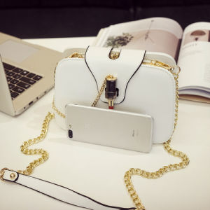 2017 New Wave Korean Version of The Simple Wild Messenger Bag Embroidery Chain Small Square Bag Shoulder Bag Summer Bag pictures & photos