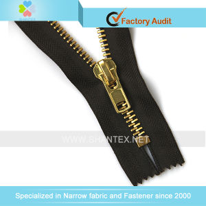 No. 8 Golden Brass Zipper pictures & photos