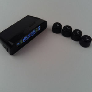 Aftermarket TPMS Tire Pressure Monitor System with 4 External Sensors Solar Power USB Alarm pictures & photos