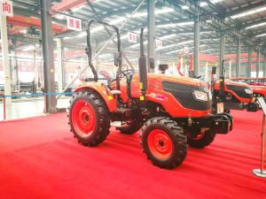 504 Four-Wheel Driving Wheel Tractor with Diesel Engine Kubota Type