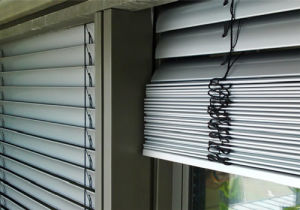 Wireless Remote Outside Venetian Blind