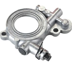 Chainsaw Oil Pump Fit Husqvarna 362 365 371 372 XP 385 390 Engine pictures & photos