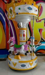 European Style Three Players Amusement Park Carousel Horses pictures & photos