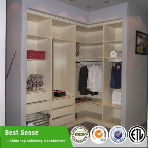 Modern Bedroom Customized Plywood/MDF Wardrobe pictures & photos