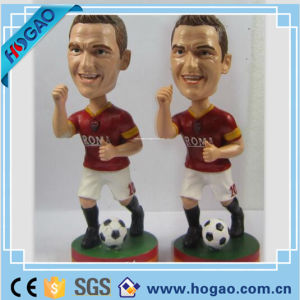 Customized Polyresin Athlete Bobble Head Decoration pictures & photos