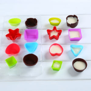 Promotion Gift FDA Food Grade Silicone Multi-Shaped Chocolate Mold/Ice Cube Tray pictures & photos