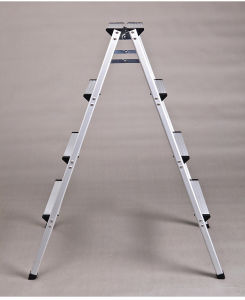 High Quality a Type Ladder/Double Side Aluminium Alloy Folding Ladder pictures & photos