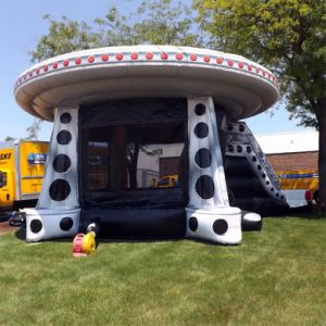 Popular Inflatable UFO Alien Combo Slide for Sale pictures & photos