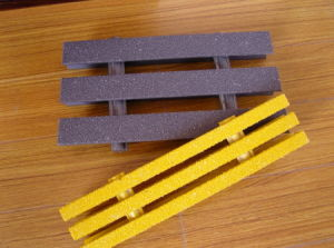 Fiberglass Pultruded Grating, Gritted Surface FRP Pultruded Grating pictures & photos