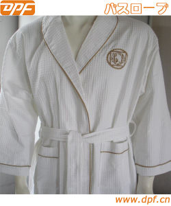 100% Cotton Terry Luxury Bathrobe for Hotel (DPFMIC17) pictures & photos