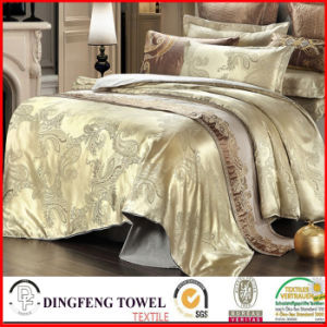 Fashion Poly-Cotton Jacquard Bedding Set Df-C125 pictures & photos