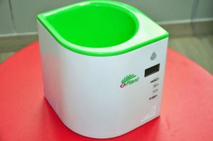 New Design IR Smart Digital Plant and Flower Pot with LCD Screen