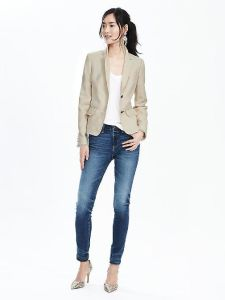 Two Button Fashion Design Ladies Casual Suit Jacket pictures & photos