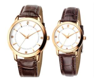 Yxl-335 New Style Alloy Leather Strap Couple Watch Manufacturer Simple Design Custom Watch Calendar Promotional Vogue Men′s Watch pictures & photos