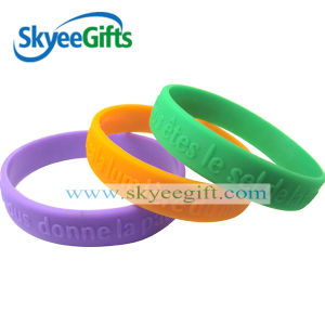 Wholesale High Quality Customized Silicone Wristband Manufactured in China pictures & photos