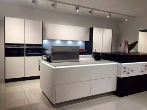 Glossy Wooden White Acrylic Kitchen Cabinets (customized) pictures & photos