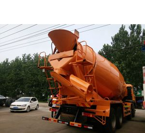 Clw Foton High Quality Concrete Mixer Truck for Sale pictures & photos