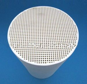 Honeycomb Ceramic Catalyst Support DPF Cordierite Honeycomb Ceramic pictures & photos