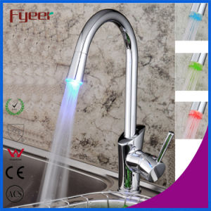 Fyeer Single Handle Kitchen Sink Faucet with LED Light (QH1771F) pictures & photos