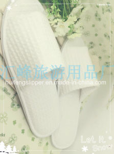 High Quality Disposable Hotel Slippers with EVA or Anti-Slip Dots Sole