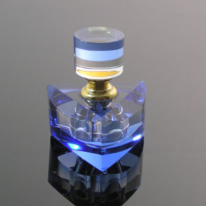 Color Painting Bottome Body Care Crystal Perfume Bottle (JD-XSP-619) pictures & photos