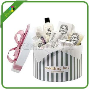 Round Gift Boxes with Ribbons for Wedding pictures & photos