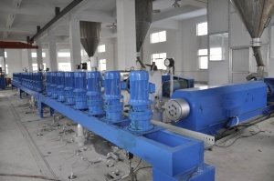 Screw Extruder New Tide for Spinning pictures & photos