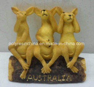 Polyresin Statue of Three Wise Kangaroo Statue on Log pictures & photos