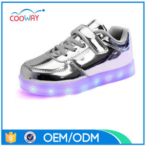 2017 Hot-Sale New Design LED Casual Shoes with 11 Colors