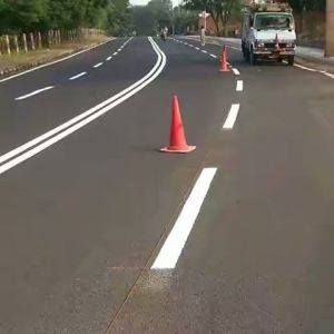 Thermoplastic Road Marking C5 Hydrocarbon Resin with Acid Resistant pictures & photos