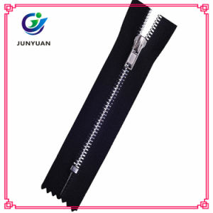 New Fashion Metal Zipper for Down Coat pictures & photos