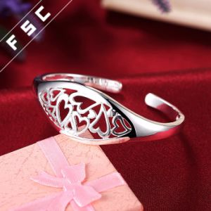 Wholesale Imitation Jewellery Silver Plated Heart Bracelet for Girl pictures & photos