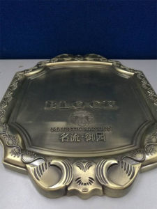 Zinc Alloy Casting Nameplate pictures & photos