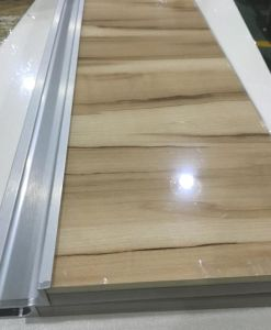 Woodgrain Acrylic Kitchen Cabinet Doors (customized) pictures & photos