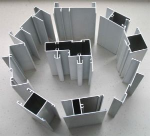Aluminum/Aluminium Alloy Extrusion Profile for Curtain Bar pictures & photos