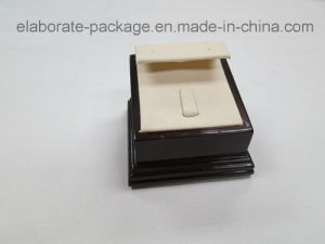 Export Noble Mini Ring & Earring Display Wooden Display pictures & photos