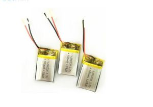 High Discharge Rate 902030 3.7V Li-Polymer 500mAh Battery pictures & photos